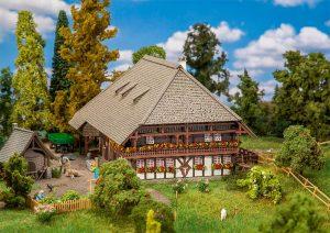 FALLER - Schwarzwaldhof 130576 für Spur H0