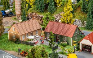 FALLER - 2 Dorfhäuser 130607 für Spur H0