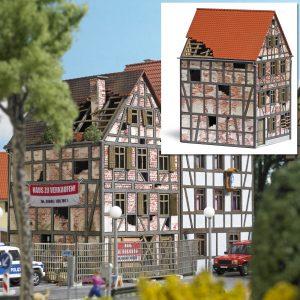 BUSCH - 1668 Verfallenes Stadthaus