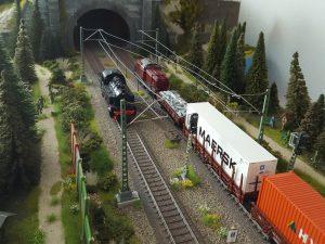 """Spur H0: Modellbahn-Anlage """"Burgstein"""""""