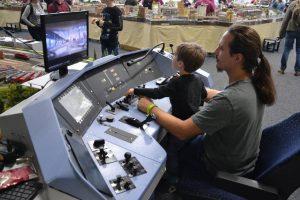 """Spur TT / H0: TT-Anlage """"Am Saaleck"""" & Modellbahn Simulator mit Bahnhof """"A-Dorf"""""""