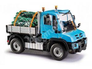BUSCH 50927 Mercedes-Benz Unimog U 430 mit Christbaumbeladung