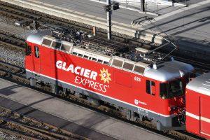 """NOCH/KATO GE4/4 II Lokomotive mit dem Aufdruck """"Glacier Express"""""""