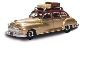 BUSCH OX: DeSoto Suburban, Gold mit Dachgepäck 201133457