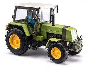 BUSCH 50420 Traktor Fortschritt ZT 323, LPG mit Bäuerin, Grün