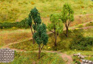 FALLER 181379 4 Bäume, sortiert für Spur H0