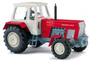 BUSCH 42856 Traktor Fortschritt ZT 303 mit Bäuerin, Rot