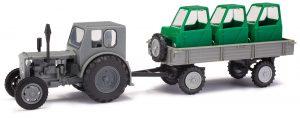 BUSCH 210006430 Traktor Pionier RS 01 mit Anhänger T4 und Fahrerhäusern